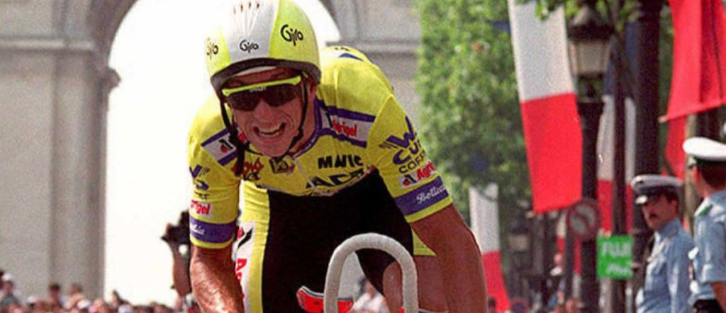 Greg Lemond in the final stage time trial of the 1989 Tour de France